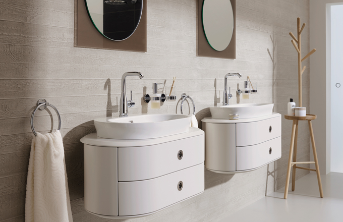 Koupelnové baterii vládne minimalismus