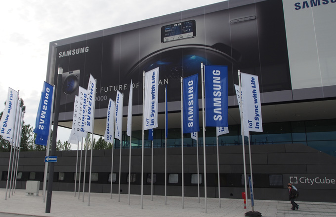 Samsung představil novinky na veletrhu IFA 2015
