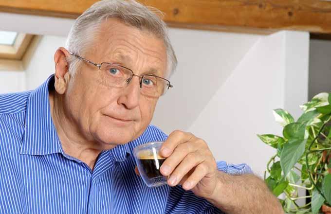 Režisér Jiří Menzel: o kávě a snídani v posteli