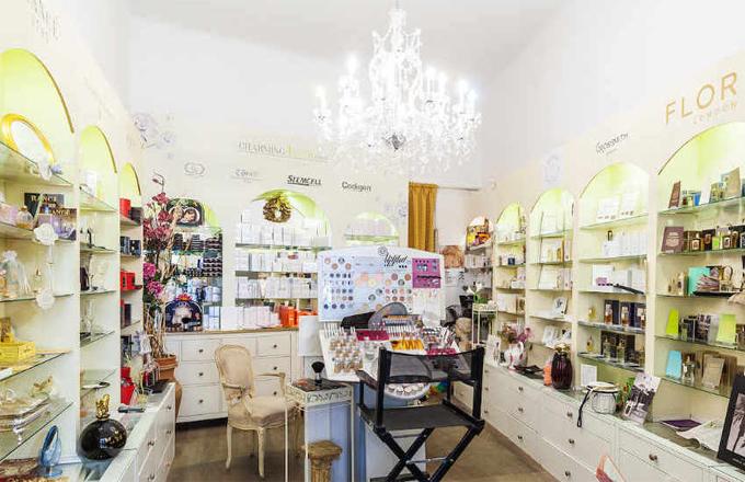 Výlet do historie parfémů. Obklopte se vůní!