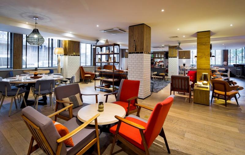 Modern byt lond nsk hotel qbic bour pravidla for Design hotel qbic