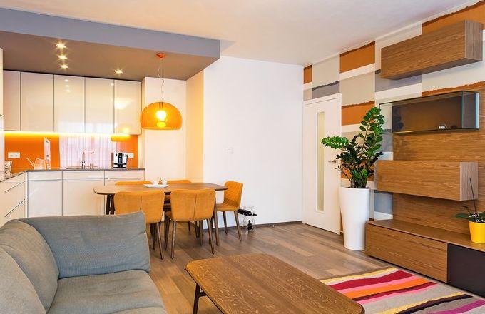 Pražské bydlení v sytých a výrazných barvách