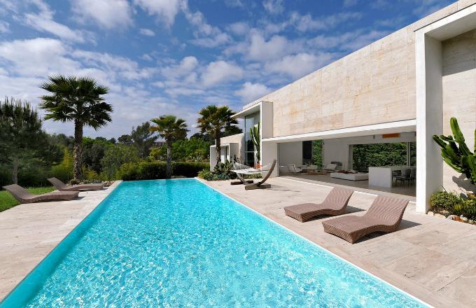 Prosklený dům na Azurovém pobřeží
