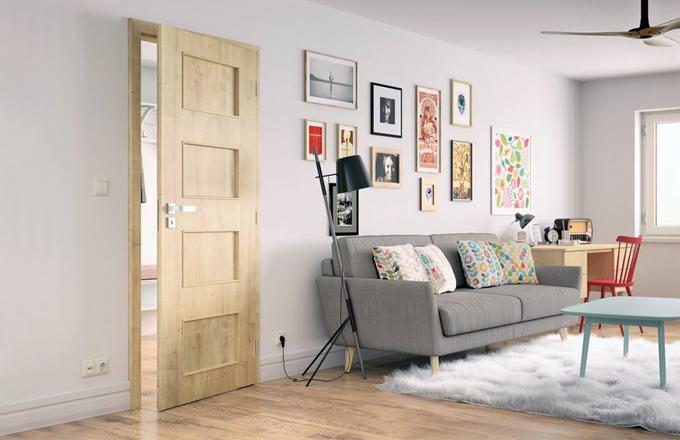 Designové souvislosti: podlaha, dveře a klika