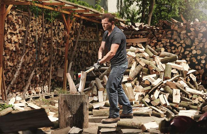 Tipy, jak správně topit dřevem a briketami