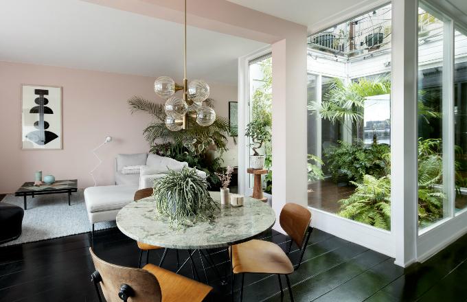 5x jinak a originálně: Interiéry plné rostlin